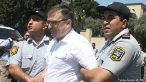Ilgar Mammedov being detained by police in Baku on 4 February 2013 (picture courtesy of RFE/RL)