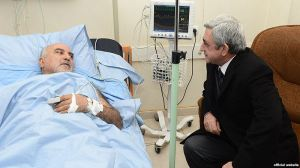 President Serzh Sargsyan visiting Paruyr Hayrikyan in hospital on 2 February 2013.