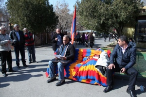 Raffi Hovannisian on hunger strike in Yerevan's main square on 11 March 2013.